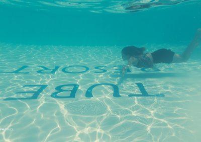 _0015_under water